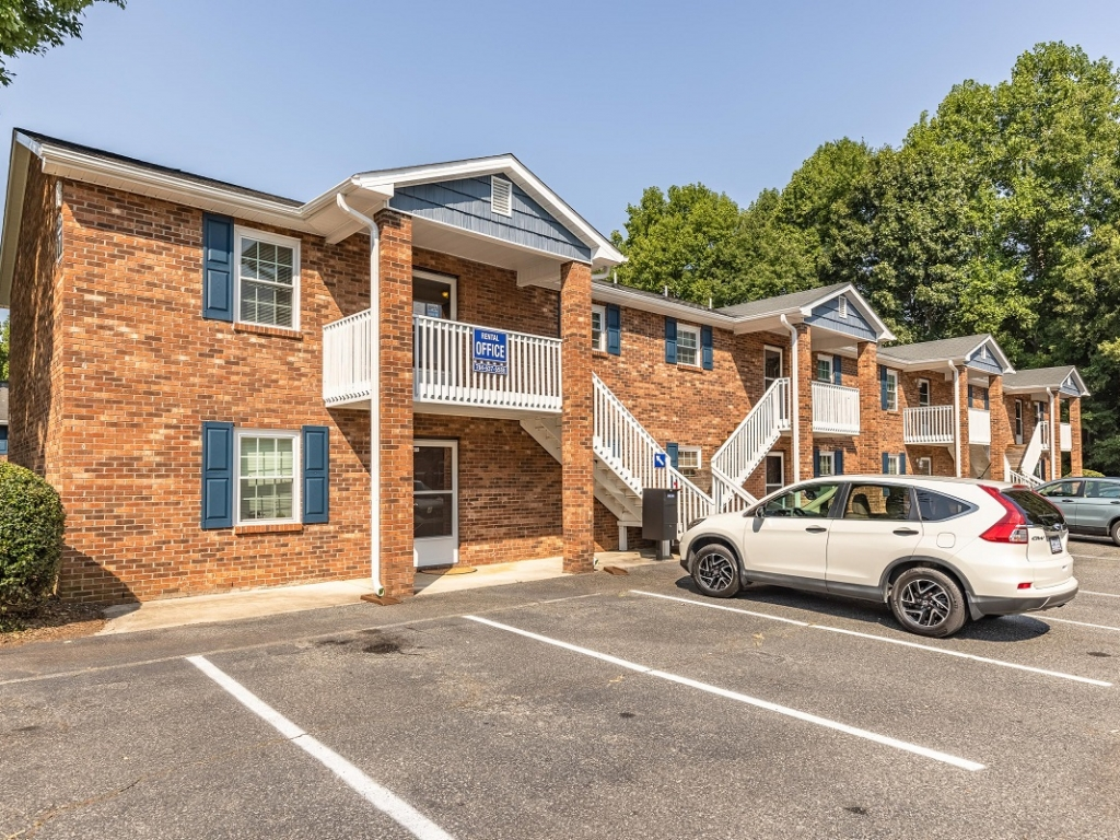 Two Bedroom Apartments in Salisbury NC with washer dryer connections